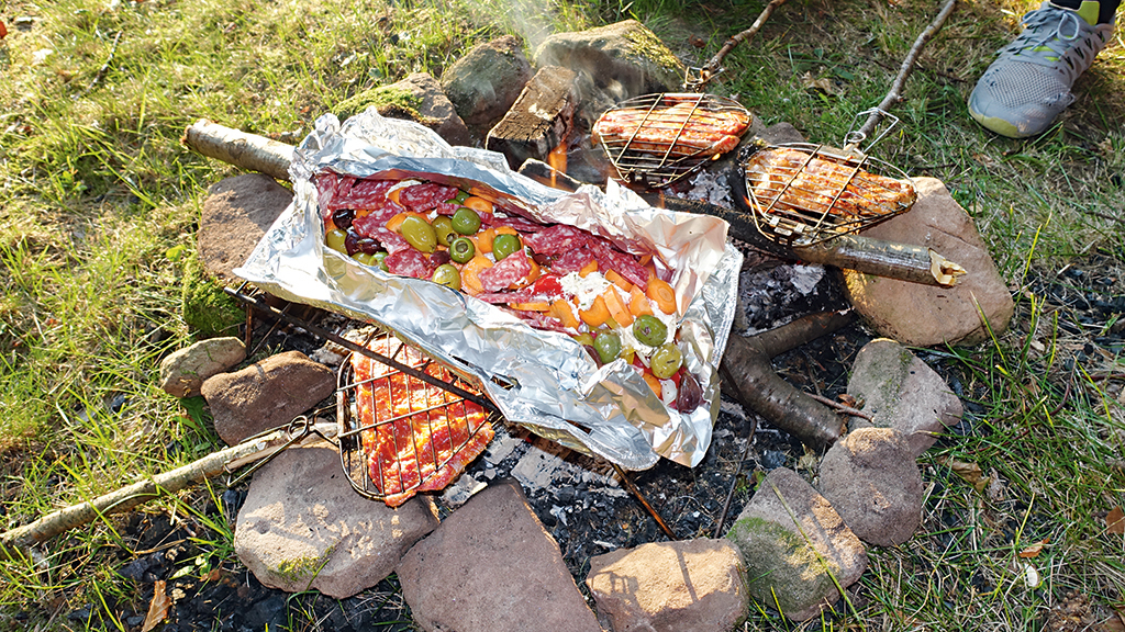 Bikepacking Lagerfeuer Grill